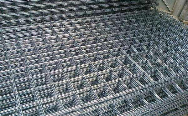 如何维护清洗订购的铁丝网围栏?