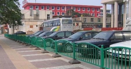停车场护栏网使用的材质及性能特点
