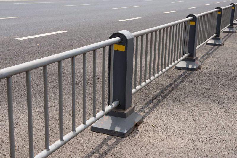 道路护栏施工要注意的问题