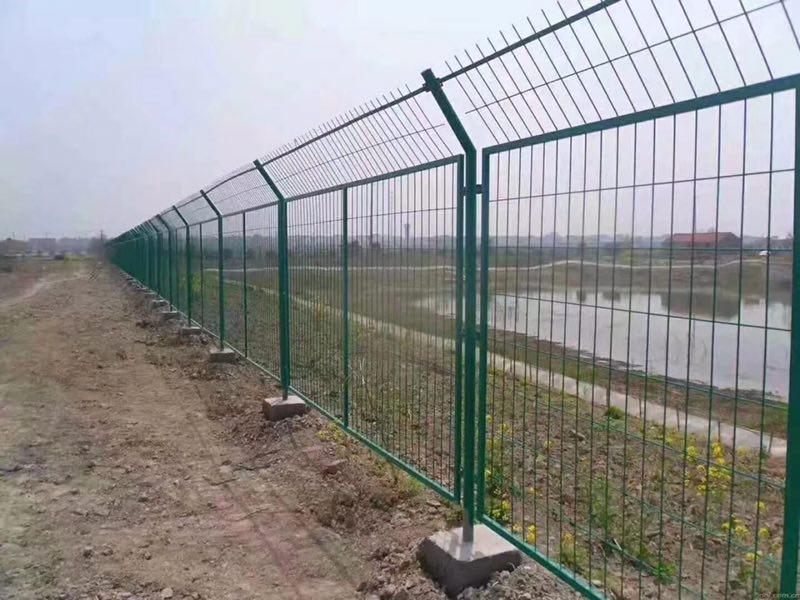 护栏网的安装方法和步骤