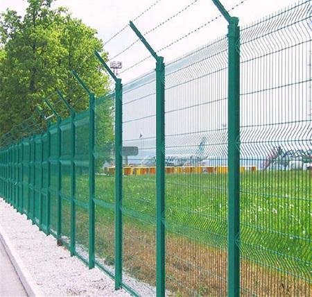 铁丝网厂家讲述浸塑铁丝网围栏的质量怎么分辨?