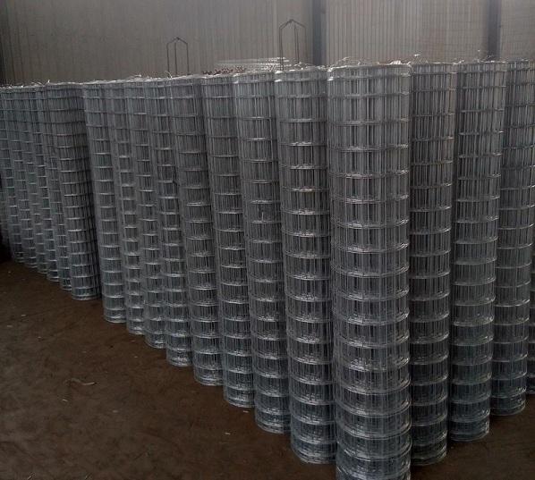 铁丝网厂家对不同规格的铁丝网围网的介绍