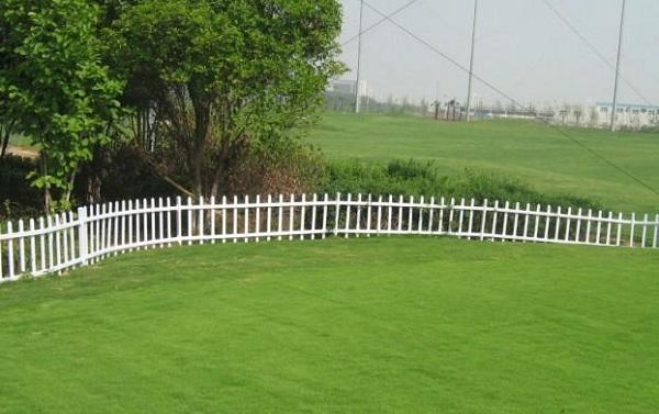 铁丝网厂家介绍花园围栏用途规格及优点