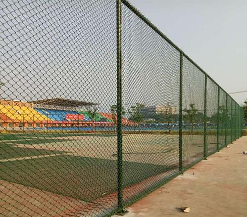 铁丝网厂家说体育场铁丝网材质