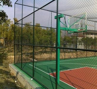 体育场围网厂家讲述球场围网的安装过程