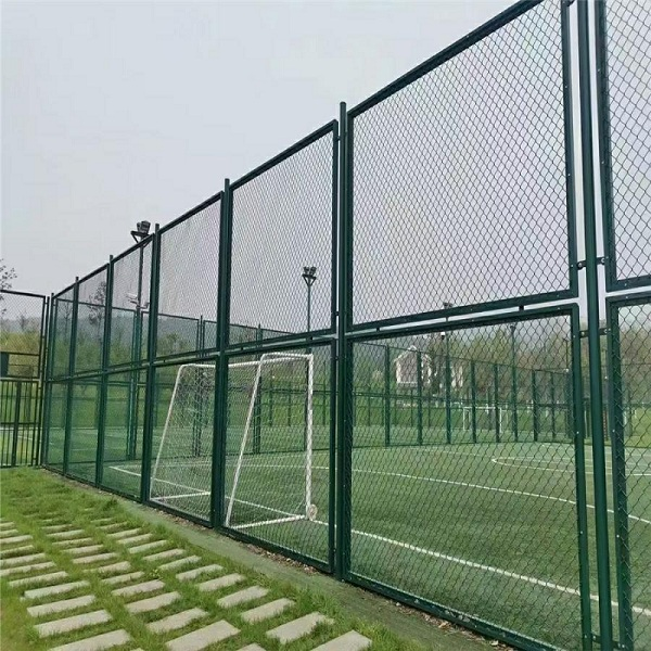 体育场围网厂家介绍安裝足球场围网
