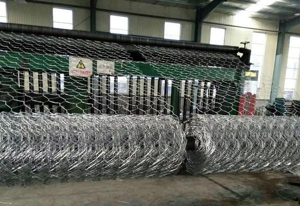 铁丝网厂家讲述铁丝网用途及种类